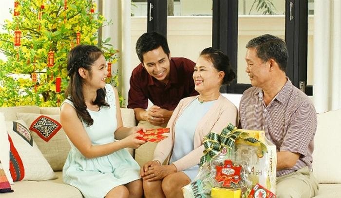 Bí quyết tặng quà tết cho bố mẹ chồng của nàng dâu mới