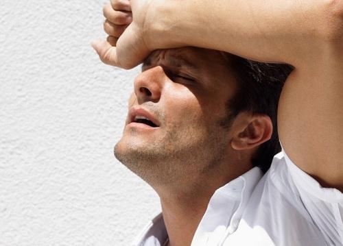 Đột quỵ khi trời nóng và cách sơ cứu tránh tử vong