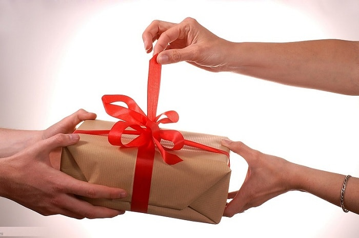 Bố mẹ người yêu choáng với món quà tết của con rể tương lai