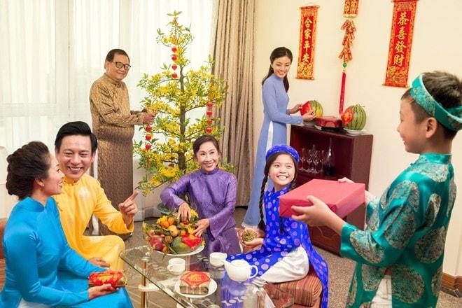 3 hộp quà tết cho bố mẹ chồng và bố mẹ vợ