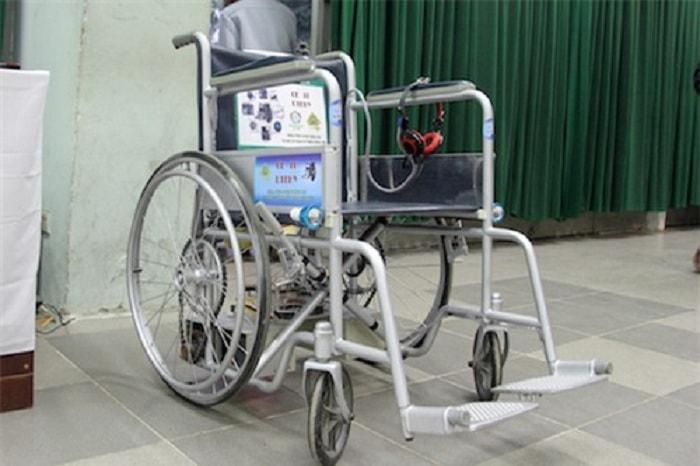 Cận cảnh chiếc xe lăn thông minh của nhóm sinh viên Hưng Yên