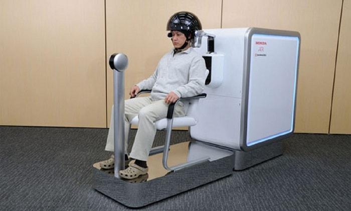 Công nghệ xe lăn điện điều chỉnh bằng suy nghĩ đang được nghiên cứu