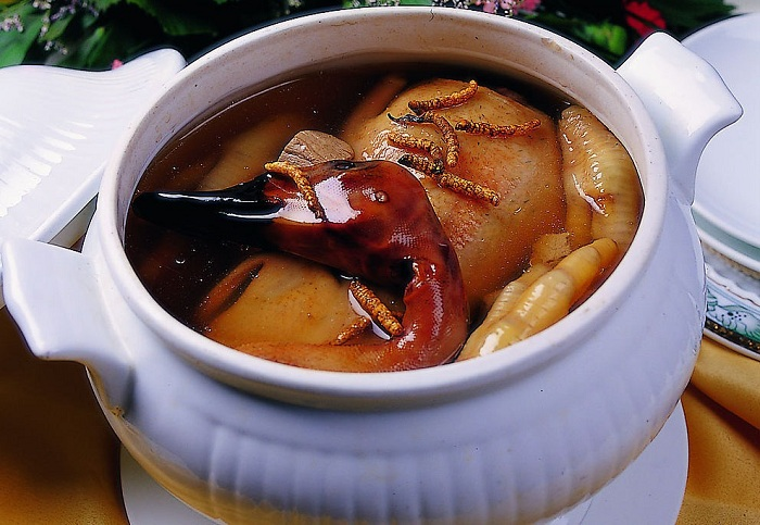 Đông trùng hạ thảo hầm thịt vịt - món ăn vô cùng bổ dưỡng