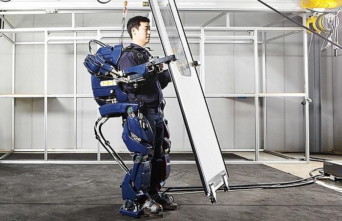 Khung xương robot cho người khuyết tật là sản phẩm công nghệ cao, tiện ích