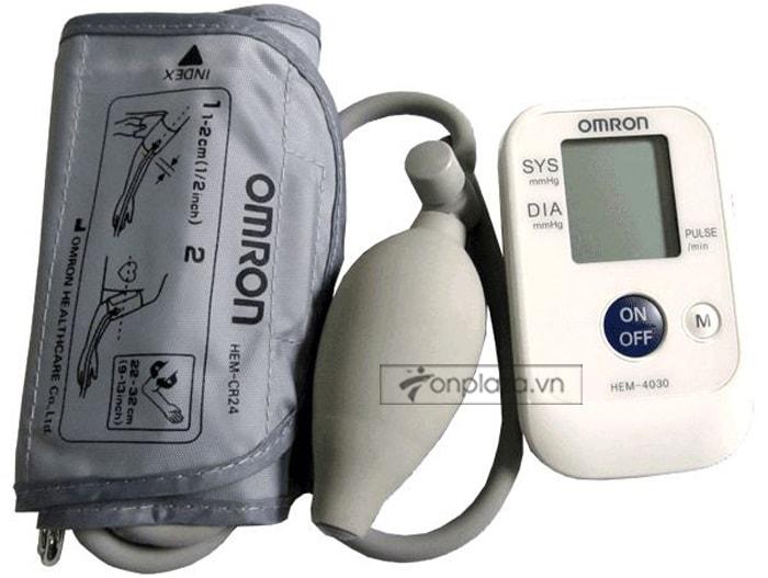 Máy đo huyết áp bắp tay bán tự động HEM-4030 TM013 4