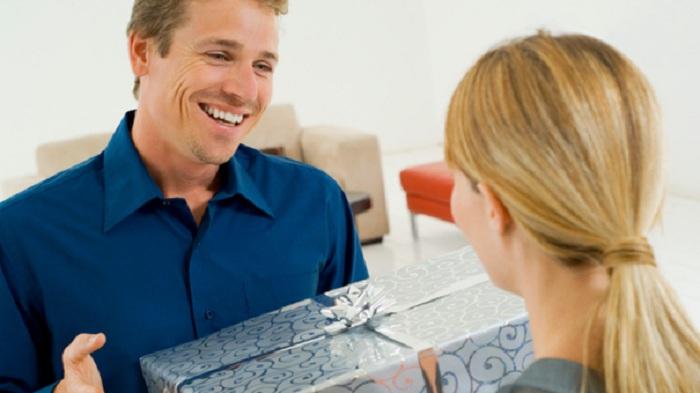 Những lưu ý khi mua quà tết tặng sếp