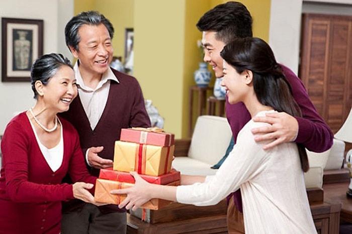 Quà tết cho bố mẹ chồng đảm báo hiếu nghĩa