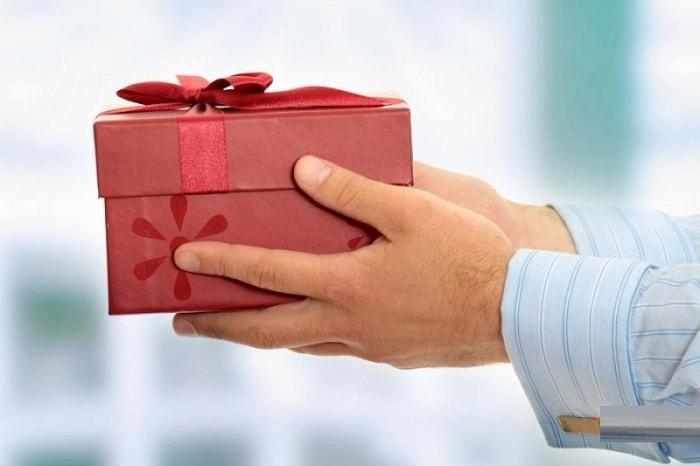 Món quà tết lấy lòng bố mẹ vợ tương lai