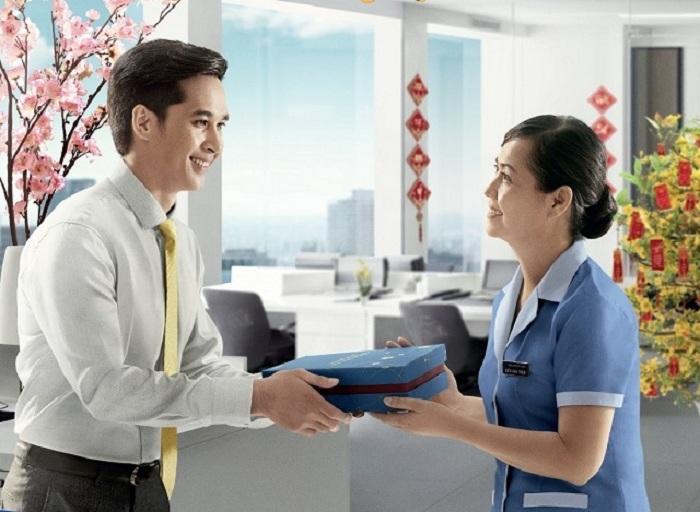 Quà biếu cho doanh nghiệp nên hướng đến giá trị trưng bày sang trọng