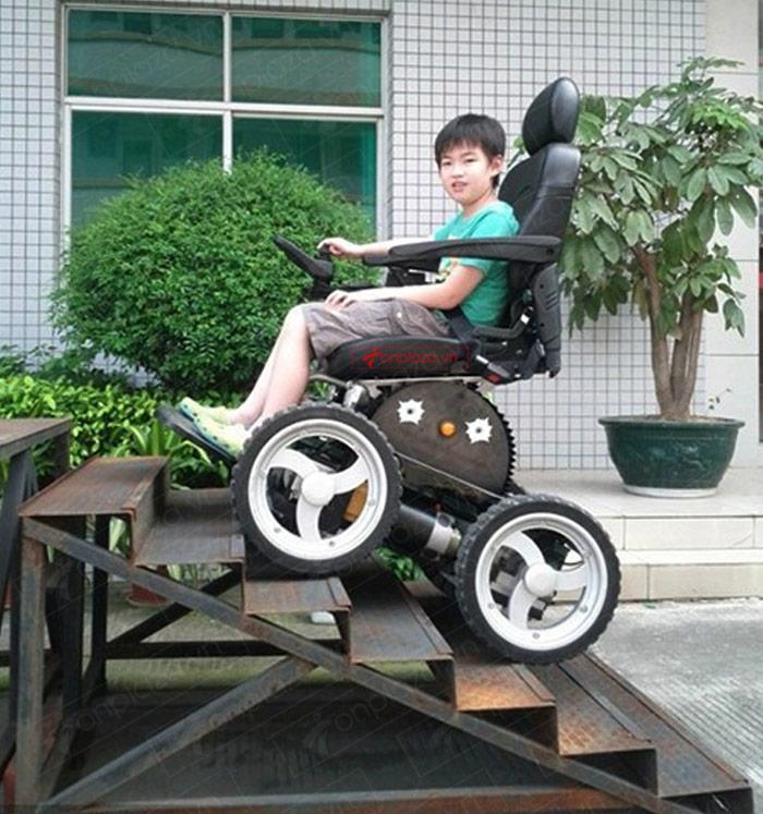 Xe lăn điện là sản phẩm có  nhiều ưu việt hơn so với các xe truyền thống