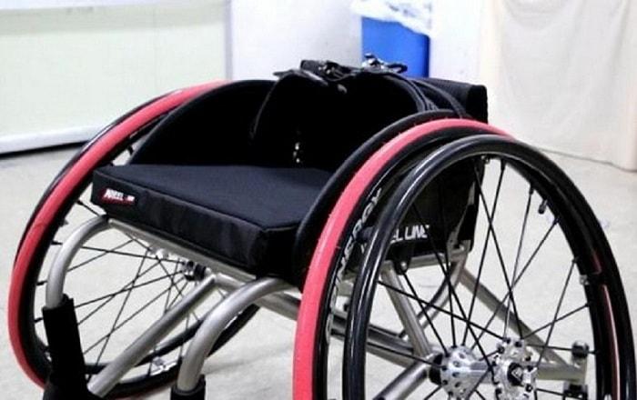 Xe lăn y tế 2 bánh tích hợp nhiều tính năng người khuyết tật chơi được nhiều môn thể thao